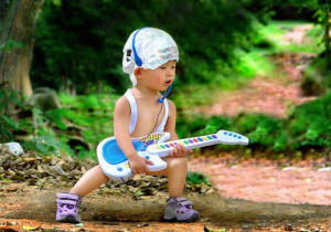 Infant ROCKER w guitar